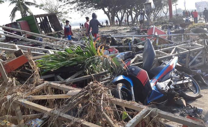 Động đất, sóng thần ở Indonesia: Nhân viên không lưu hy sinh để máy bay cất cánh an toàn - Ảnh 3.