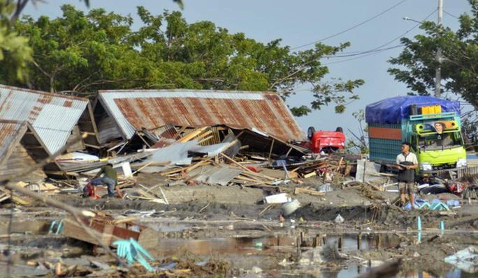 10 người Việt Nam ở nơi bị động đất, sóng thần tại Indonesia - Ảnh 1.