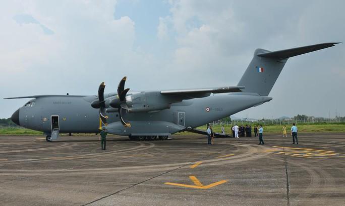 Soi nội thất máy bay A400M của không quân Pháp - Ảnh 9.