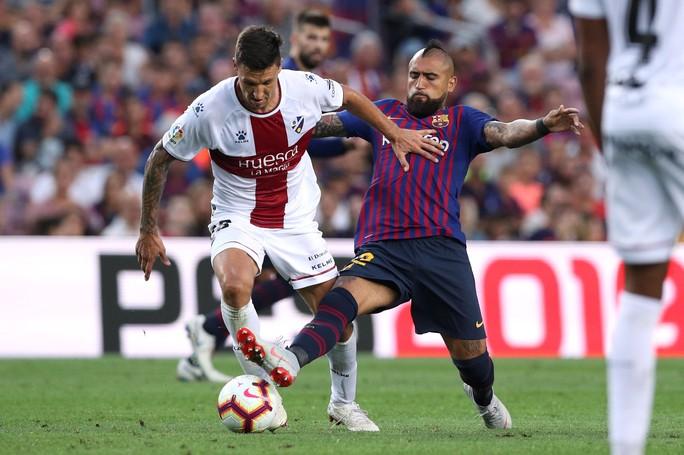 Messi, Suarez cùng lập cú đúp, Barcelona xé nát lưới Huesca - Ảnh 7.