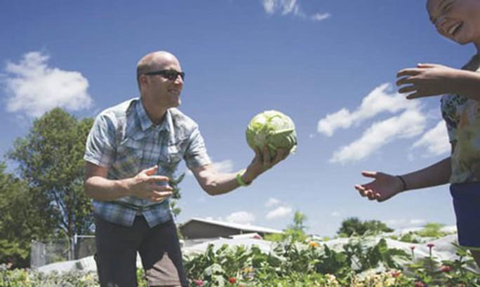 Người tạo xu hướng nông nghiệp organic tại Mỹ - Ảnh 1.