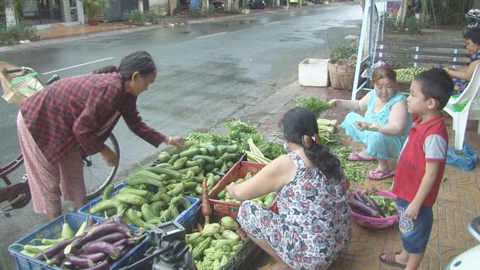 """Thơm thảo """"chợ rau miễn phí"""" cho người nghèo - Ảnh 4."""