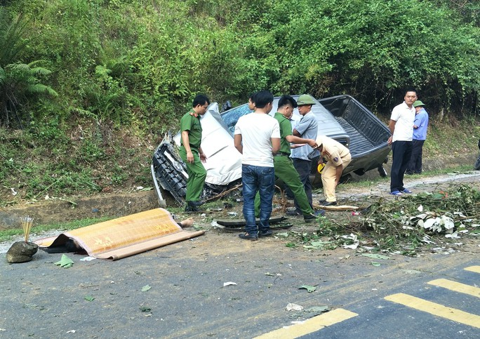 Tai nạn xe bán tải trên đường Hồ Chí Minh, 1 người chết, 1 người bị thương - Ảnh 1.