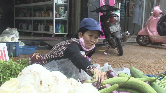 """Thơm thảo """"chợ rau miễn phí"""" cho người nghèo - Ảnh 3."""