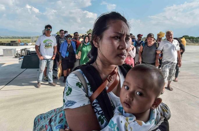 Động đất - sóng thần ở Indonesia: Số người chết có thể lên tới hàng ngàn - Ảnh 1.