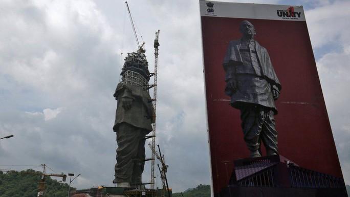 Ấn Độ chi tỉ USD xây 2 tượng cao nhất thế giới - Ảnh 1.