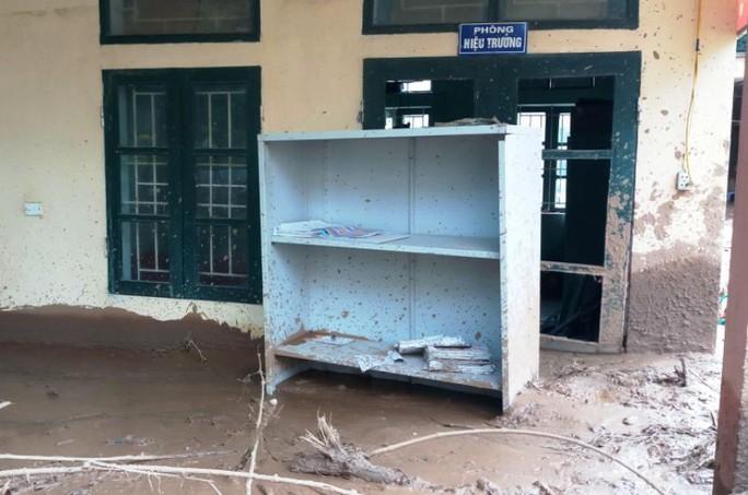 Trường lớp tan hoang, ngập bùn đất trước ngày khai giảng - Ảnh 14.