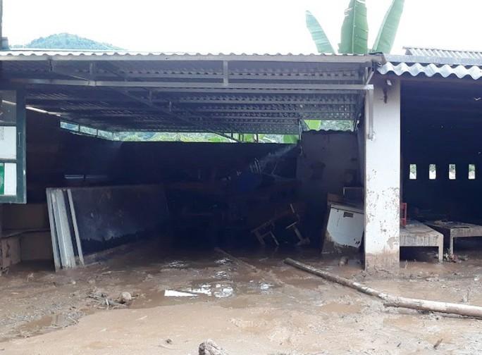 Trường lớp tan hoang, ngập bùn đất trước ngày khai giảng - Ảnh 12.