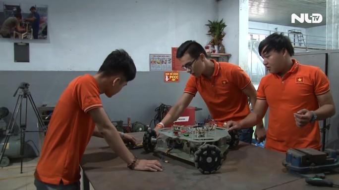 Sinh viên Đại học Lạc Hồng: Đam mê Robot, chinh phục thử thách - Ảnh 2.