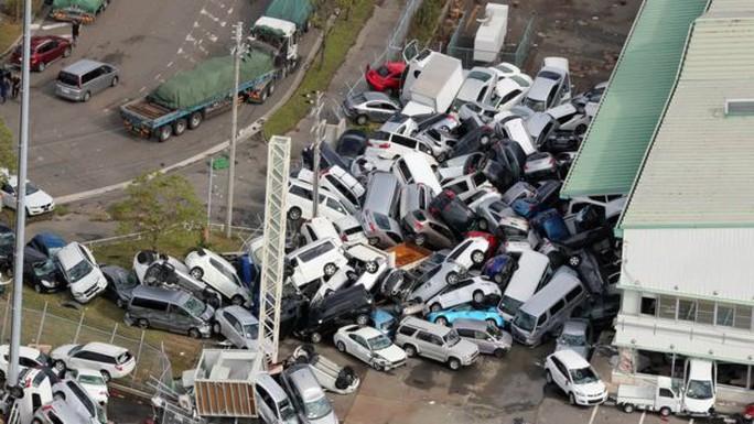 Hình ảnh Nhật Bản tả tơi sau bão Jebi - Ảnh 1.