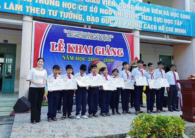 SAMCO trao học bổng cho học sinh nghèo, hiếu học - Ảnh 1.