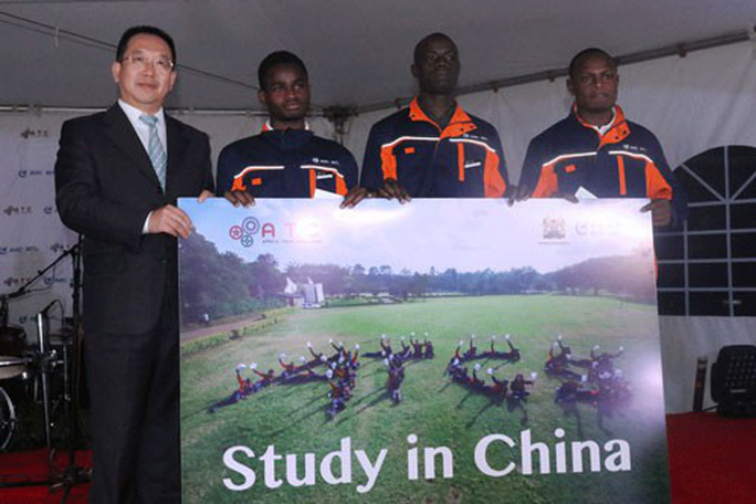 Dân Trung Quốc bất mãn khoản tiền rót vào châu Phi - Ảnh 1.
