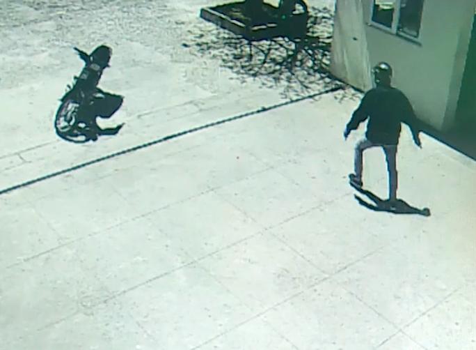 Đã xác định nghi phạm trong vụ cướp ngân hàng ở Khánh Hòa - Ảnh 3.