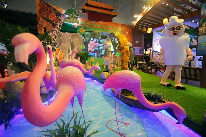 Rồng rắn xếp hàng mua vé 0 đồng tại Hội chợ Du lịch Quốc tế TP HCM - Ảnh 12.