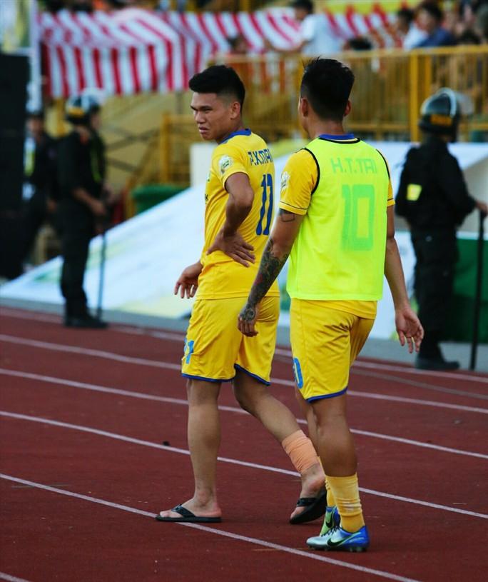 2 cầu thủ Olympic Việt Nam chấn thương ở cúp Quốc gia - Ảnh 2.
