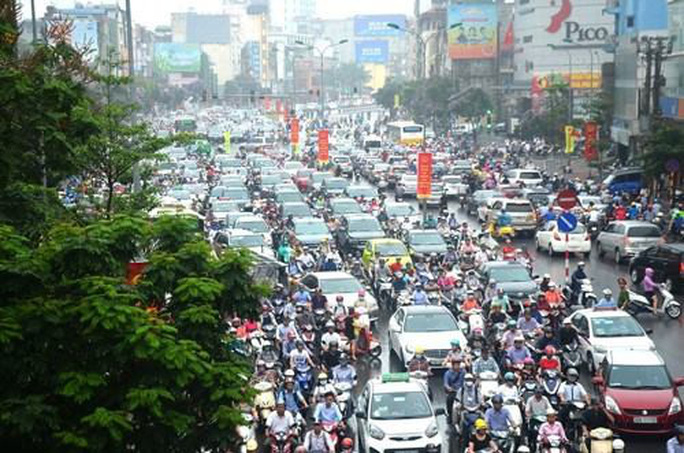 Hà Nội lập đề án thu phí ôtô, xe máy vào nội thành - Ảnh 1.