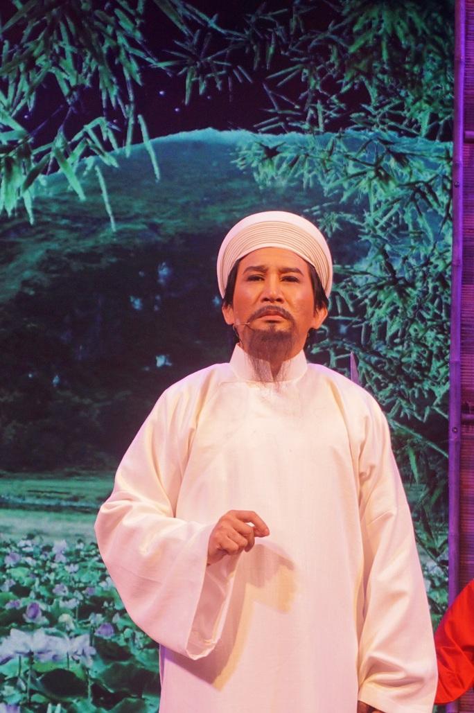 NSƯT Kim Tử Long lấy nước mắt khán giả với vai Nguyễn Trãi - Ảnh 1.