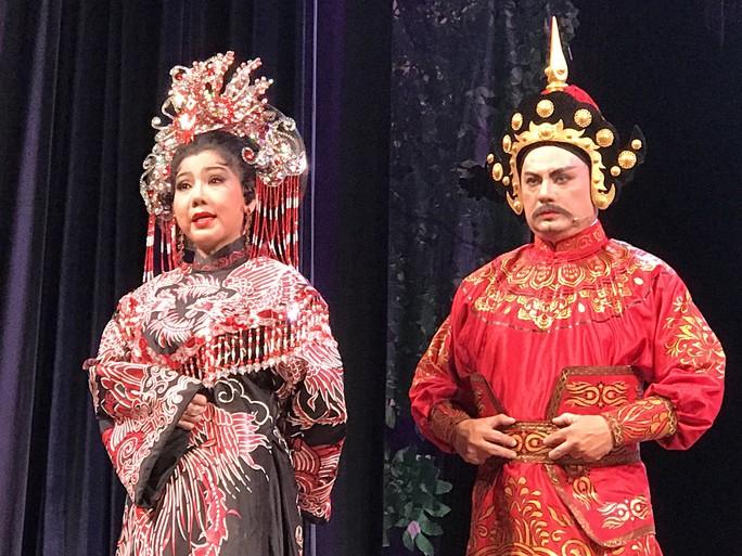 NSƯT Kim Tử Long lấy nước mắt khán giả với vai Nguyễn Trãi - Ảnh 4.