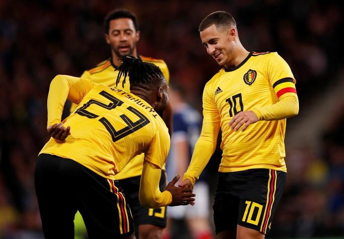Huynh đệ nhà Hazard trổ tài kiến tạo, Bỉ đè bẹp Scotland - Ảnh 3.