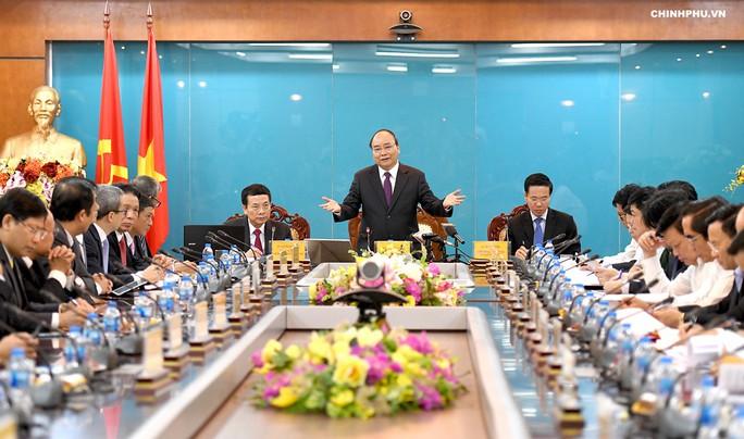 Quyền Bộ trưởng Nguyễn Mạnh Hùng: Sẽ xây dựng mạng xã hội Việt chiếm 60% thị phần - Ảnh 1.