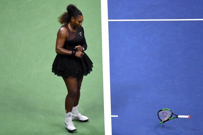 Dân mạng chê trách Serena Williams sau khi cô chửi trọng tài rồi khóc - Ảnh 3.