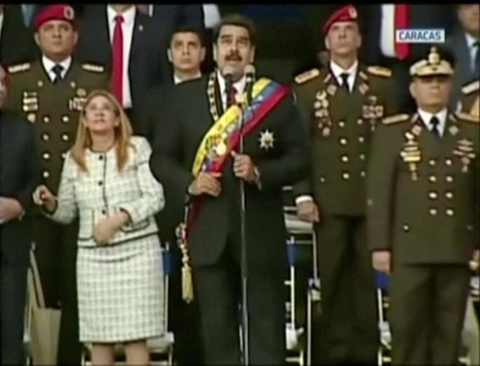 Quan chức Mỹ từng bàn chuyện đảo chính với sĩ quan Venezuela - Ảnh 1.