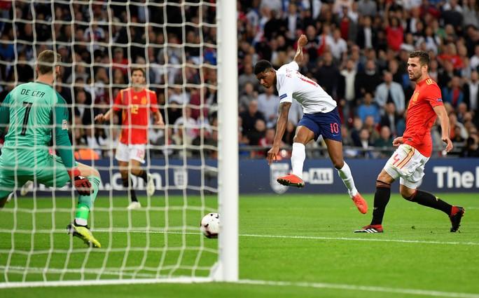 Sao Man United định đoạt số phận, Anh thua sốc Tây Ban Nha - Ảnh 3.