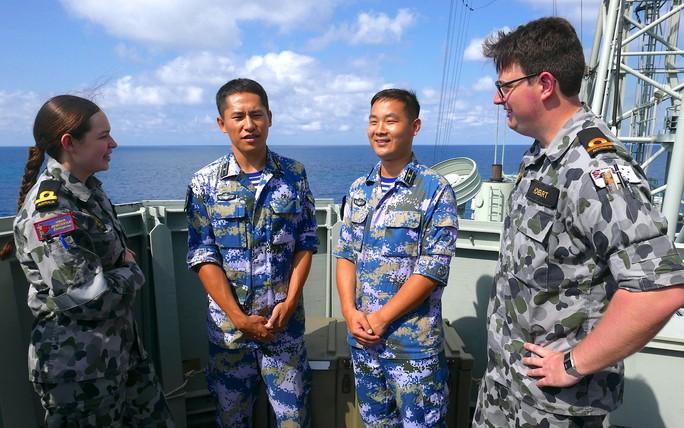 Trung Quốc tập trận ở Úc nhưng không được bắn đạn thật - Ảnh 1.