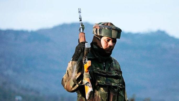 Ấn Độ mua hơn 160.000 súng cho lính biên phòng - Ảnh 1.