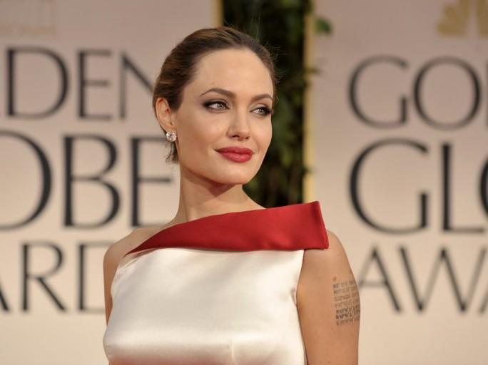 Thuốc đầu tiên trị căn bệnh ung thư vú của Angelina Jolie - Ảnh 1.