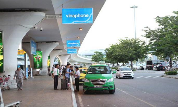 Phó Thủ tướng yêu cầu xử lý việc thu phí ô tô sai quy định gần 551 tỉ đồng ở sân bay - Ảnh 1.