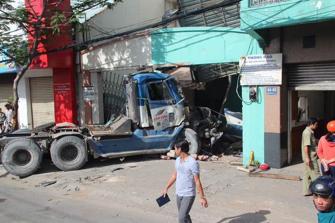 TP HCM giảm 5% tai nạn giao thông cách nào? - Ảnh 5.