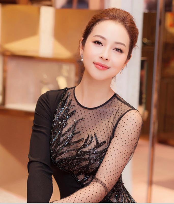 Nhà báo Lại Văn Sâm yêu cầu gì khi làm MC cùng Jennifer Phạm? - Ảnh 2.