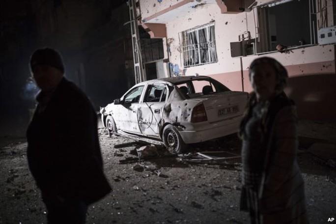Bộ binh Thổ Nhĩ Kỳ tiến vào Syria, 22 người thương vong - Ảnh 3.