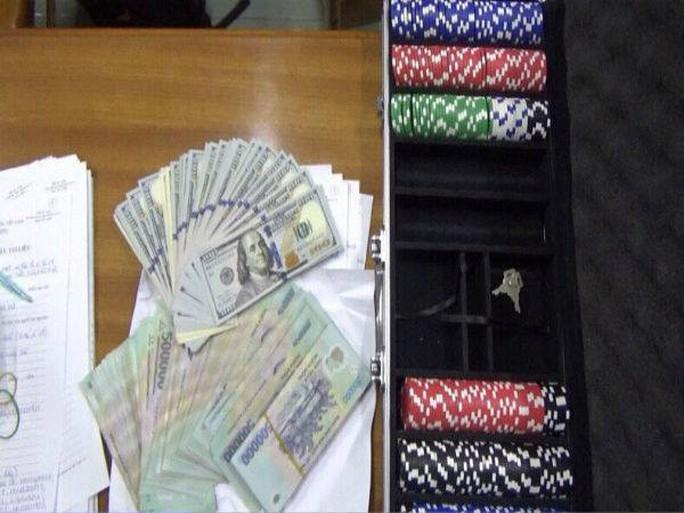 TP HCM: Phá sòng bạc đại gia ở chung cư cao cấp - Ảnh 4.