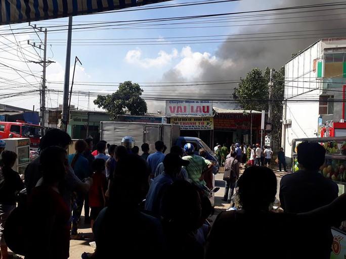 Đang cháy cơ sở dạy tiếng Anh cho trẻ em ở Bình Dương - Ảnh 4.