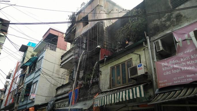 Hà Nội: Cháy lớn nhà 4 tầng kinh doanh đồ nhựa trên phố - Ảnh 3.