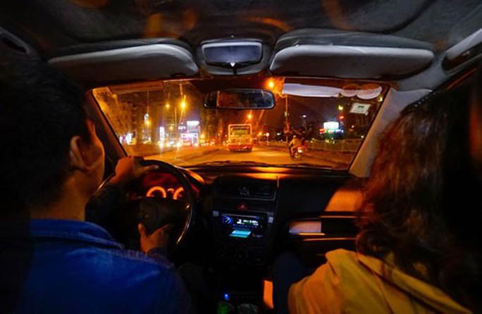 Cưỡng chế thuế Uber: Bên nào cũng đúng (!) - Ảnh 1.