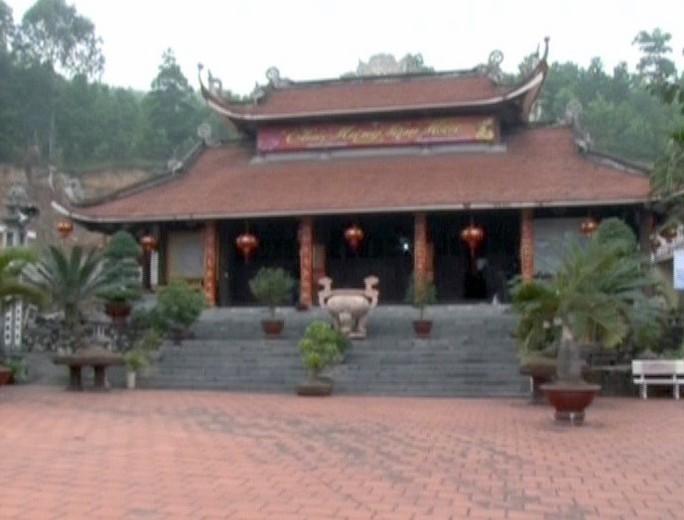 Khách Trung Quốc vào chùa, lập hòm công đức thu 200.000 đồng/người - Ảnh 1.