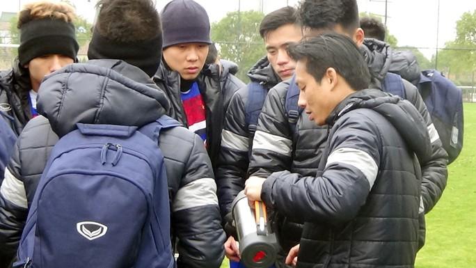 U23 Việt Nam loại 2 cầu thủ, có quân HAGL - Ảnh 1.