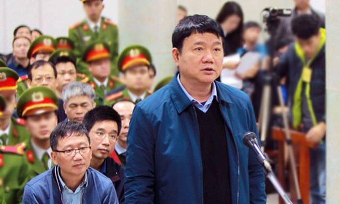 Luật sư liên tiếp truy vấn ông Đinh La Thăng trước tòa - Ảnh 1.