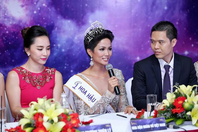 Hoa hậu Hoàn Vũ Việt Nam 2017 sở hữu vẻ đẹp khác lạ - Ảnh 8.