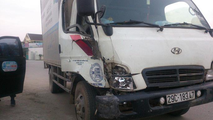 Xe bán tải tông chết 2 nữ sinh, điên loạn bỏ chạy gây tai nạn liên hoàn - Ảnh 2.