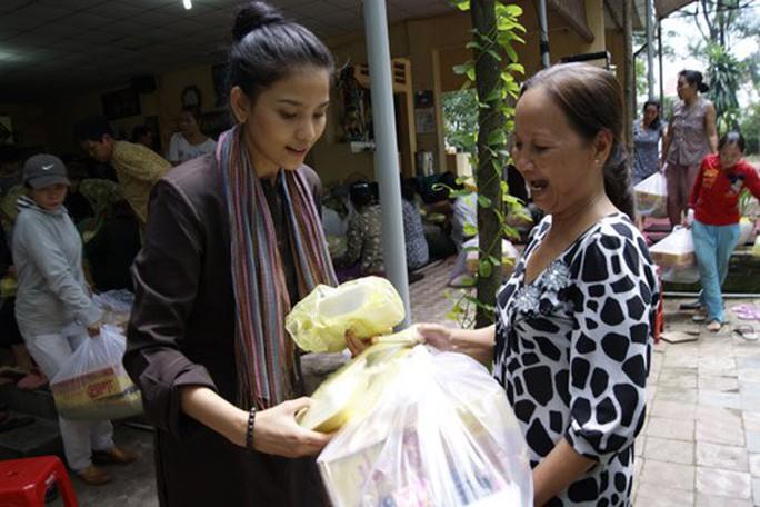 Trương Thị May tái xuất màn ảnh rộng bằng vai ma mị - Ảnh 3.