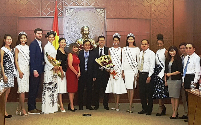 Hoa hậu Hoàn vũ Việt Nam H'Hen Niê: Việc đầu tiên là làm từ thiện - Ảnh 1.