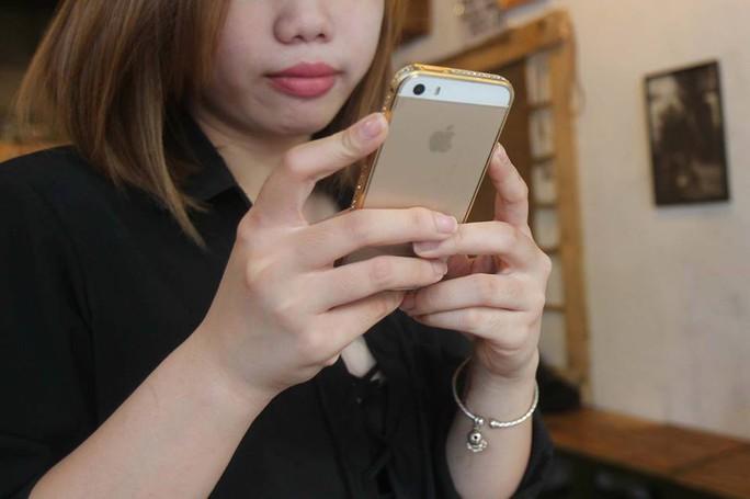 Hai luật sư tại Việt Nam khởi kiện Apple - Ảnh 1.