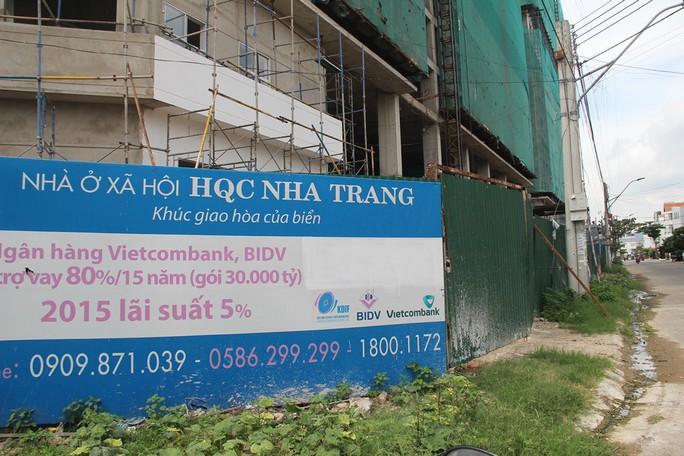 Khách hàng vây dự án nhà ở xã hội Hoàng Quân - Nha Trang vì trễ hẹn - Ảnh 2.