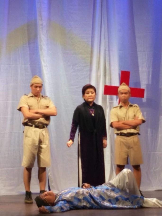 NS Phượng Liên nghẹn ngào cùng Đời cô Lựu - Ảnh 1.