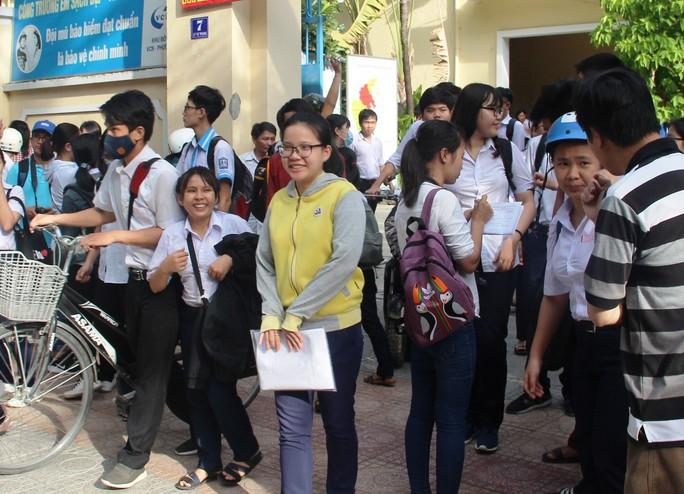 Kiểm tra lại toàn bộ các môn thi sau nghi vấn lộ đề ở Khánh Hòa - Ảnh 2.