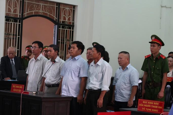 Kéo dài 5 năm, tòa tiếp tục hoãn xử Agribank Trà Vinh - Ảnh 1.